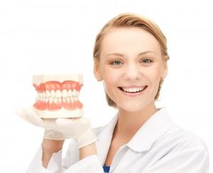 inlocuirea puntilor dentare vechi sau tratament protetic post extractional